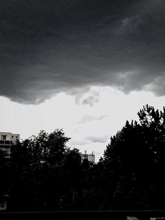Thunderstorm is coming.