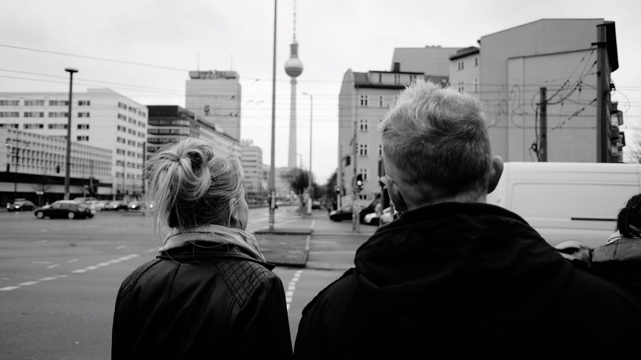 ... from the back. Berlin Sibs