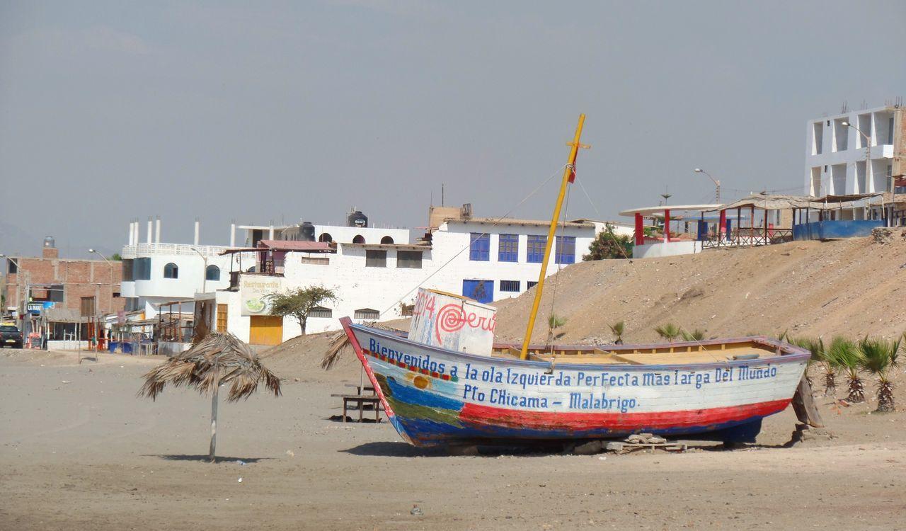 Puerto Chicama en Malabrigo, Ascope, La Libertad, Perú. Beach Boat Bote Coast Fishing Boat Landscape Malabrigo  Mar Ocean Pacific Peru Peruvian Playa Port Puerto Ship