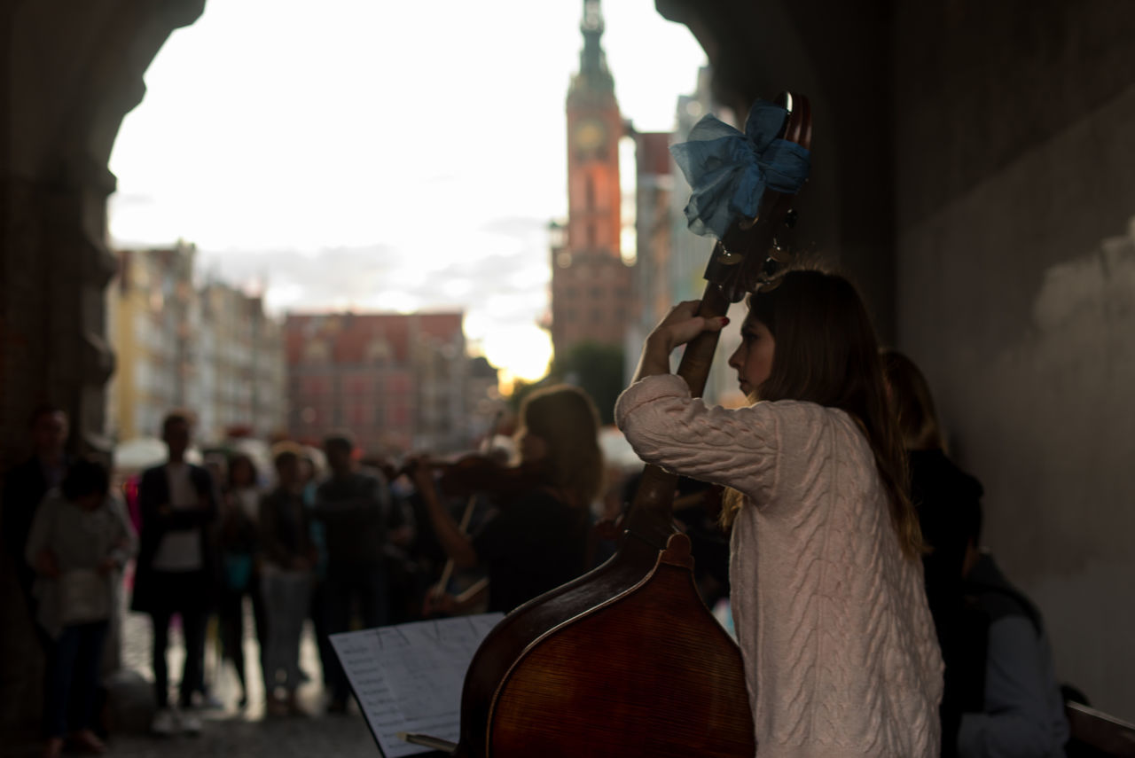 Classical Music Outdoors People Poland Polish Girl Polska Street Musician Street Musicians Streetphotography Travel Destinations Violin