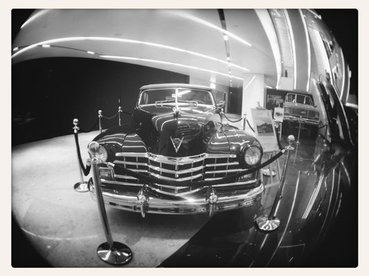 vintage cars at Ahli United Bank by fajerioz