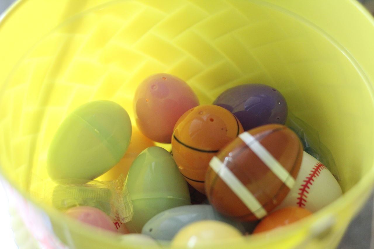 egg, easter egg, easter, indoors, selective focus, food, no people, fragility, multi colored, close-up, day, freshness