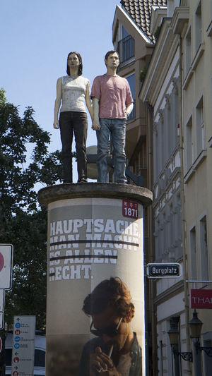 Advertising Column Art ArtWork Litfassäule Menschen People Plakat