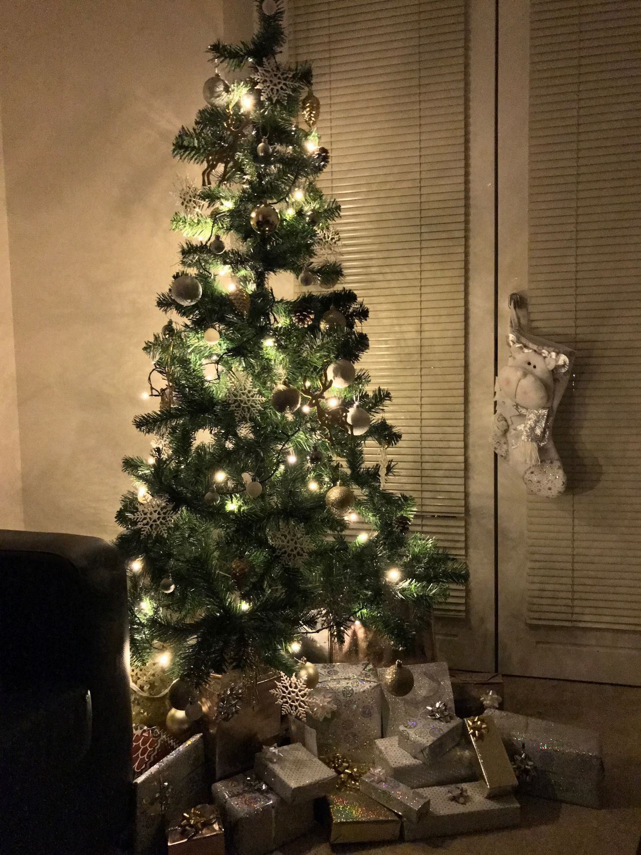 Christmas Tree Christmas Tree Christmas Decoration Home Interior Celebration Holiday - Event Indoors  Tradition Living Room No People Christmas Ornament Christmas Lights Illuminated Domestic Life Day Scotland Glasgow