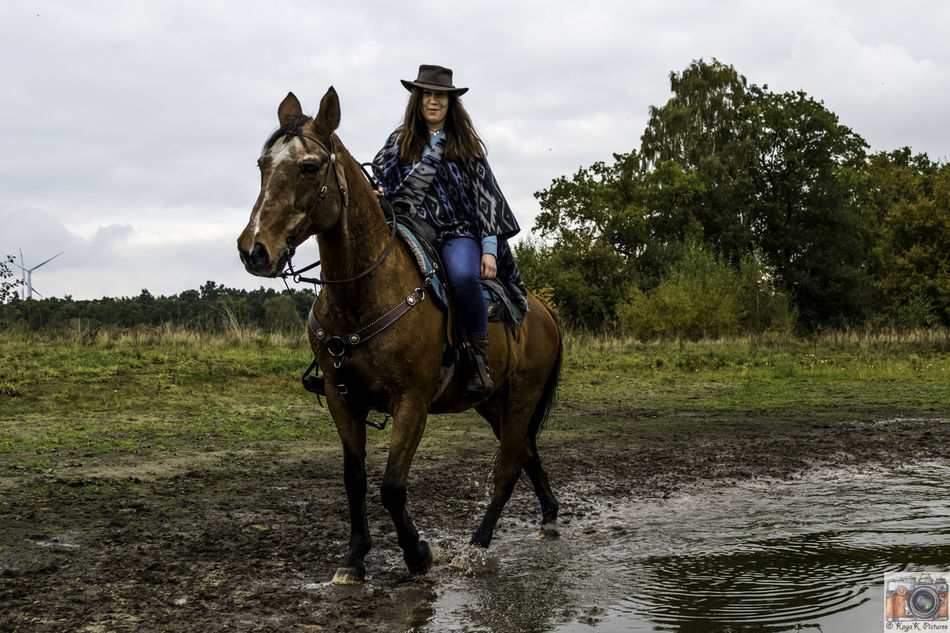 Girl With Horse Horse Horse Life Horse Photography  Horse Riding Horseriding Horses My First Shooting Nikon Nikon D5500 Nikon D5500 Inner Structure Model Nikonphotography Outdoors Shooting Shooting Photos