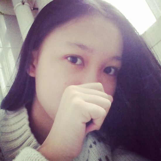 School Time  Faces Of EyeEm Eyes White Sweater 😘😉 Very Cool 😖