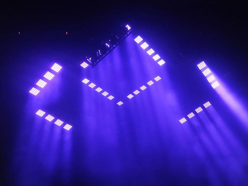 Waiting for Blink182 last night! Lights Geometric Dark Color Purple Concert