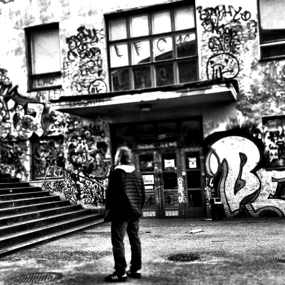 Tags Grafitti Graffitiporn Streetphoto_bw Streetphoto Wondering Wandering Around Blackandwhite Black & White Building Exterior Helsinki