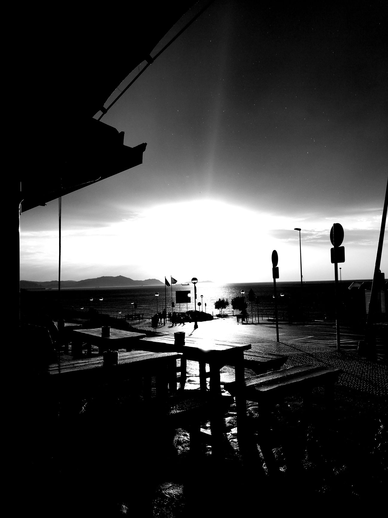 Nofilters Black And White Drops Of Water Gotasdelluvia Perfect Moment Perfect Day Friends ❤ Bilbaolovers Sea And Sky Landscape