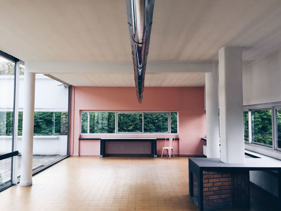 Villa Savoye, Le Corbusier architecture Lecorbusier Corbusier Villa Villa Savoye Architecture ARCHITECT Indoors  Home Interior Living Room Interior Design No People Day Interior Interior Views Poissy Jeanneret Livingroom Wall Windows Sunlight Glass - Material Metal Metallic Empty Interior Style