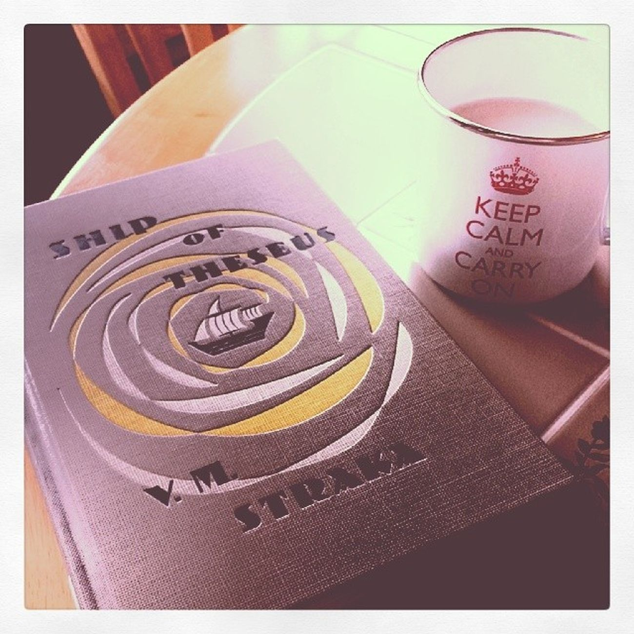 This book. This coffee. Lazy afternoon 100daysofhappy Jjabrams Dougdorst Reading lazysaturday happyme