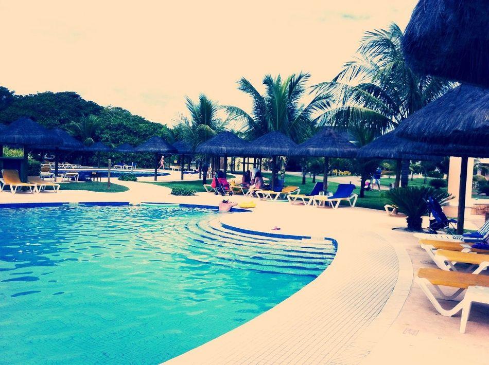 Mais piscina!!