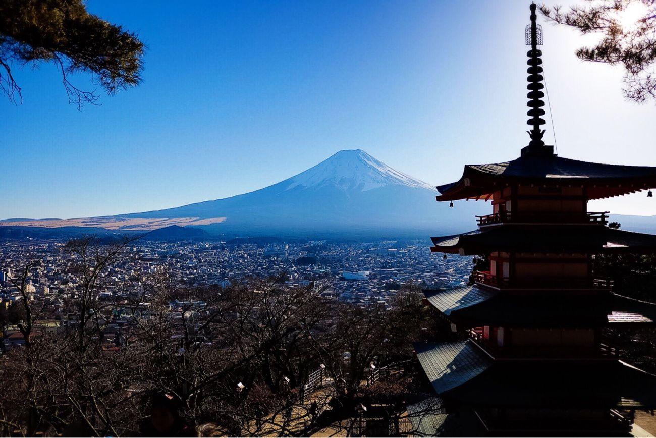 Chureito-pagoda Yamanashi,japan Shotfrommycanon Japan Photography Japan Lifeinjapan Beautyinnature  Mtgujiaddiction Livinginjapan Enjoying The View