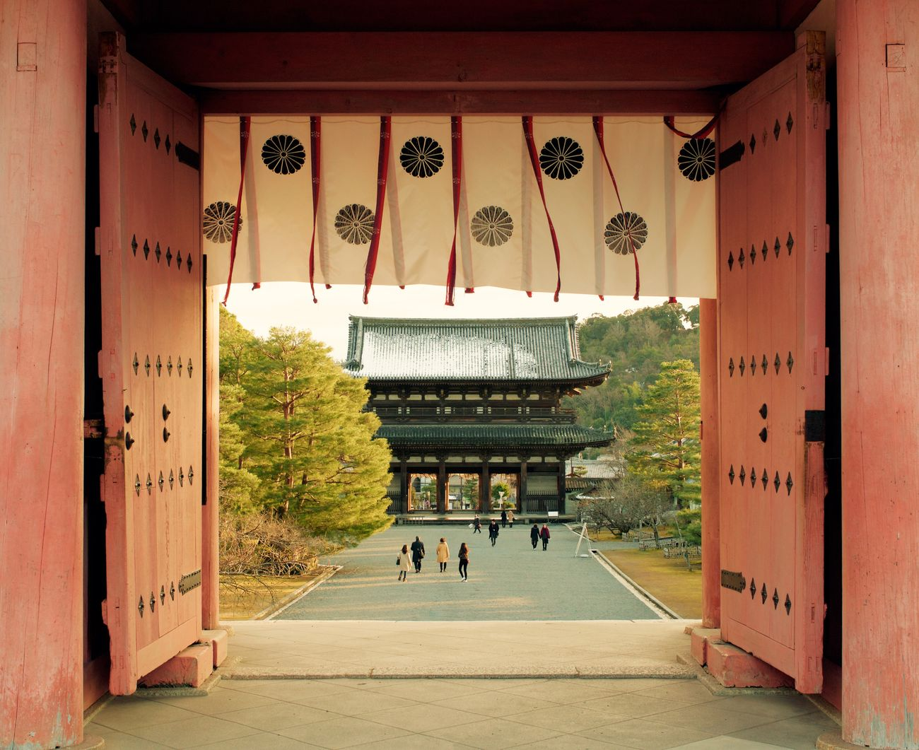 Architecture Built Structure Place Of Worship Building Exterior Travel Destinations Cultures Religion Day Non-western Script Spirituality Chinese Lantern Outdoors No People Japan Kyoto Ninnaji 仁和寺
