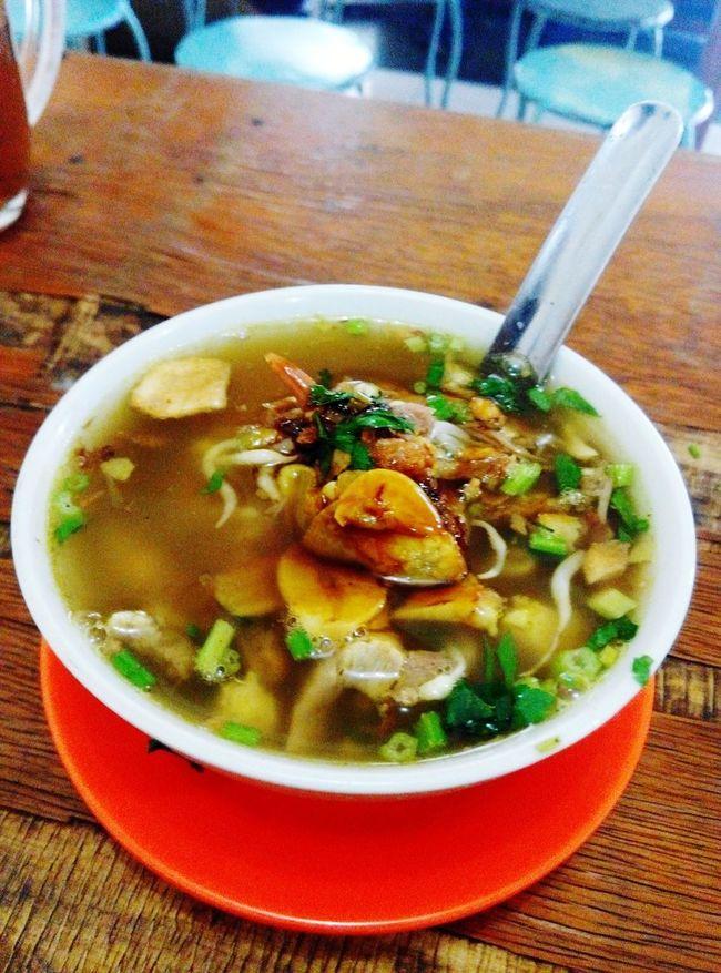 Nyam2 di sore hari.. Indonesia Culinary Soto Ayam