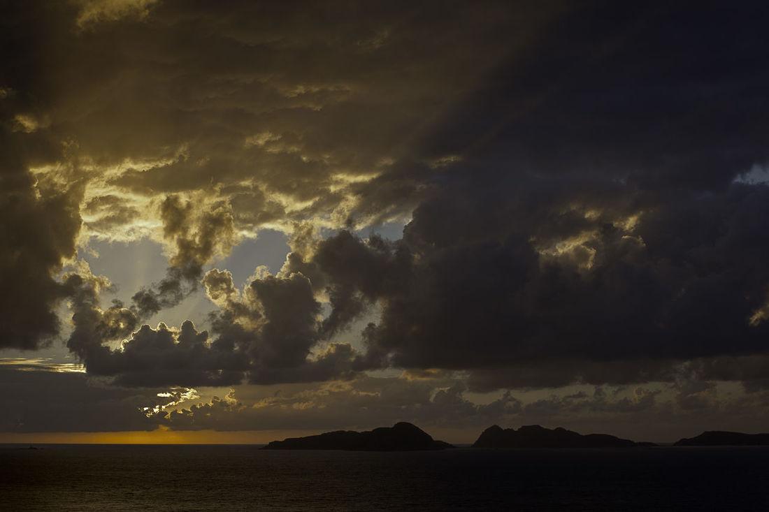 Beauty In Nature Cies Islands Cloud - Sky Dramatic Sky Galicia God Horizon Over Water Idyllic Islands Landscape Majestic Nature No People Outdoors Scenics Sea Sky Storm Cloud Sun Streaks Sunset Tranquil Scene Tranquility Travel Destinations Water