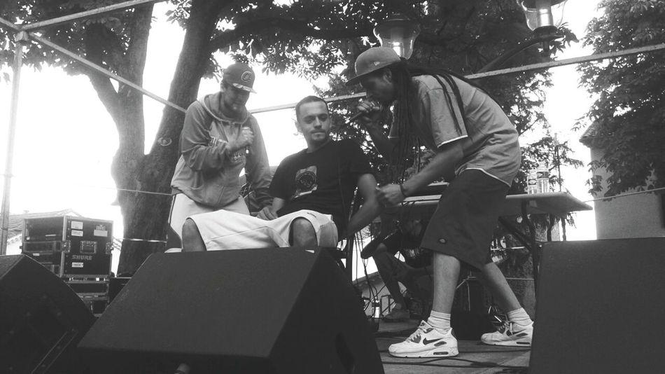 Le Fond D'la Classe poto! 😍🎤🎶 Le Fond D'la Classe French Rap Rap Français Hip Hop Concert Concert Photography Noir Et Blanc Tupan Rap Conscient Iks 2taf