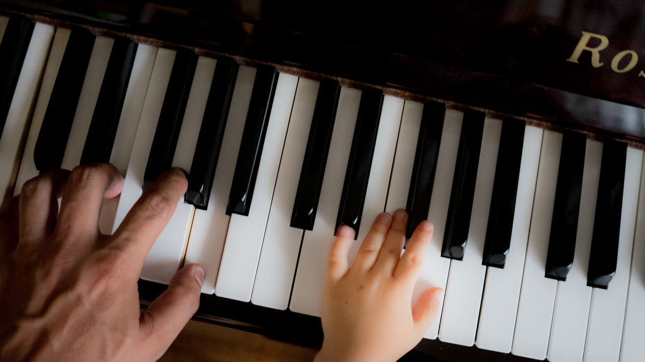 Beautiful stock photos of piano, Child, Childhood, Close-Up, Directly Above