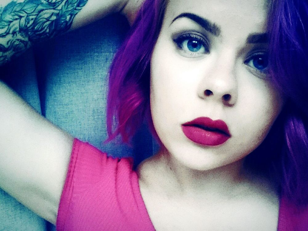 Hello World Hi! Hello From Russia Tattoo Girlswithtattoos Purple Hair Russian Girl Selfietime девушкастатуировкойльва Selfie Portrait Check This Out Purple Lips Eyes Sad Eyes