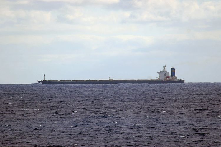 Day Horizon Over Water Long Ship Mode Of Transport Nautical Vessel No People Outdoors Scenics Sea Sky Transportation Water Waterfront