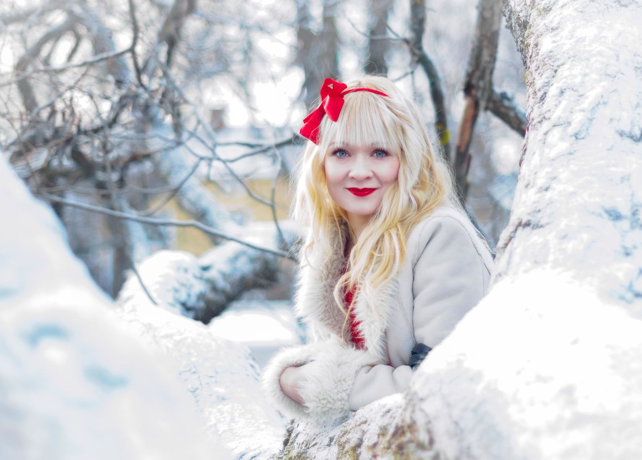 Winter Snow Portrait Beauty Tree Looking At Camera Blond Hair Park Bright Daylight Red Dress SmilePortrait Photography Location Shoot Beautiful People Headdress Christmas