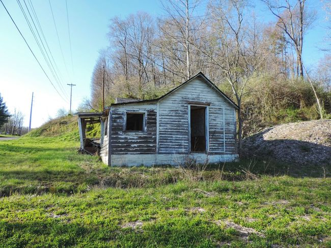 Abandoned Abandoned Buildings Abandoned House Abandoned Places Built Structure Day Deterioration Field Grass Grassy Landscape Nature No People Non-urban Scene Ohio Outdoor Photography Outdoors Run-down Rural Rural Exploration Rurex Sky Tranquil Scene Tranquility