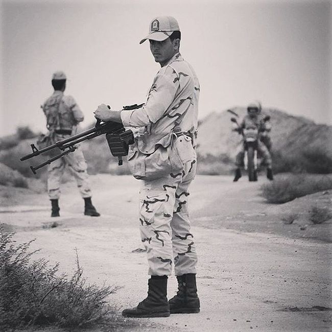 Photograph Photographer Photooftheday Photo Photoofday Photoshoot Photos Military Gun Guns Blackandwhite Bw Iran White Photography Soldier Soldierfield Soldiers ایران سیاه_سفید اسلحه تفنگ