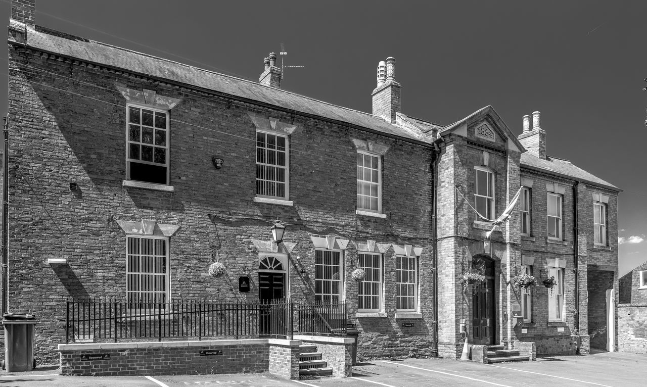 The Court House, Southwell, Nottinghamshire Nottinghamshire FUJIFILM X-T2 Monochrome Photography Blackandwhite Southwell Black And White Architecture Street Courthouse Court