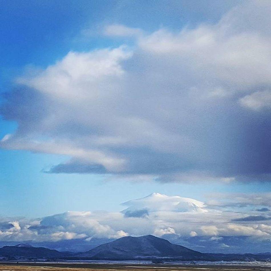 Can you see Mt Shasta in the clouds? :) Mtshasta MT Shasta Vista Yreka Roadtrip Travel Outdoors Memories