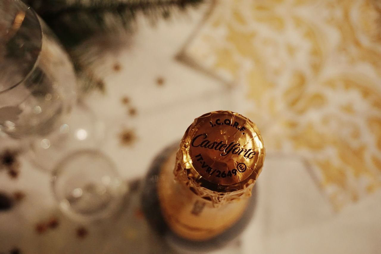 proseccoChampagne Cava Alkohol Close-up New Year Christmas Bottle Bottles Bottles Collection Celebration Celebration Event New Years Eve Celebrating Gold Golden Prosecco Wine Moments