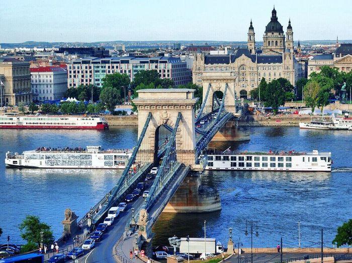 布達佩斯多瑙河 Danube Danube River Chain Bridge Bridge River Long Ship Buda Castle Budapest Hungary Traveling Iamonmywaytoeverywhere