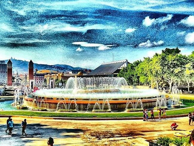 FontMagica Fuente Fountain Suihkulähde Fontaine Montjuic Barcelona Bcnexplorers Bcndreamers Thebarcelonist EnjoyBcn Livelovebarcelona Igersbarcelona Ig_catalonia Catalunyaexperience Ok_catalunya HDR Ok_hdr Drboost Tv_hdr Hdr_spain Hdr_pics