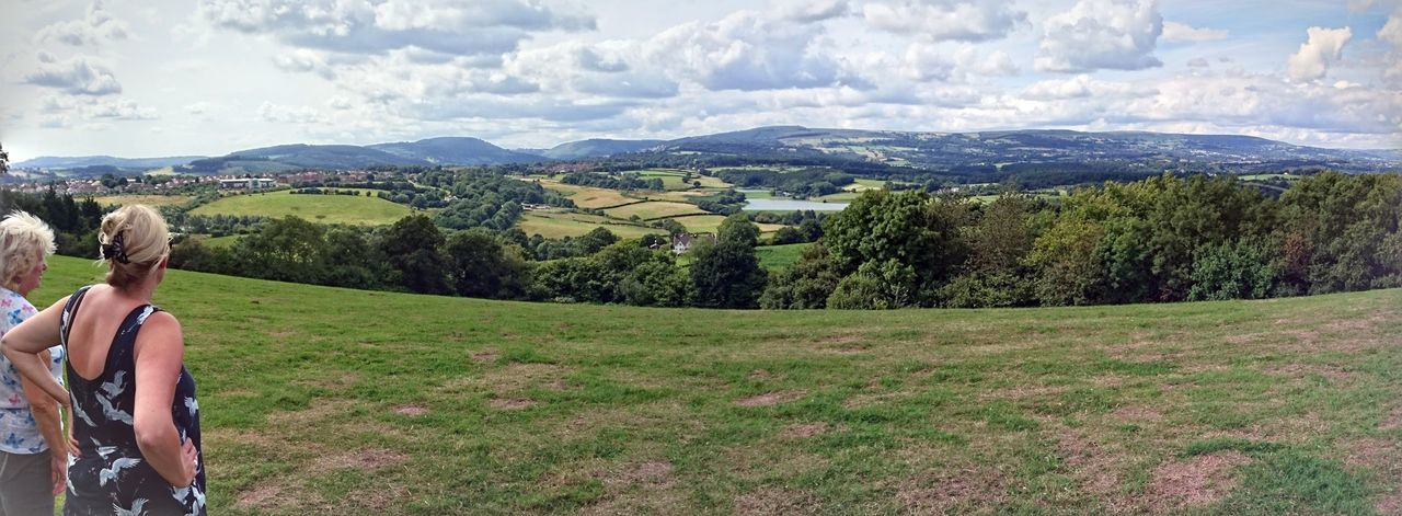Wales❤ Wales You Beauty Walesiswonderful Wales UK Landscapes Walking Hiking Nature_collection Panorama Newport Wales Landscapes Nature Photography Newport Gwent newport, not cardiff. For some reason it thinks Allt-yr-yn is in Cardiff?!