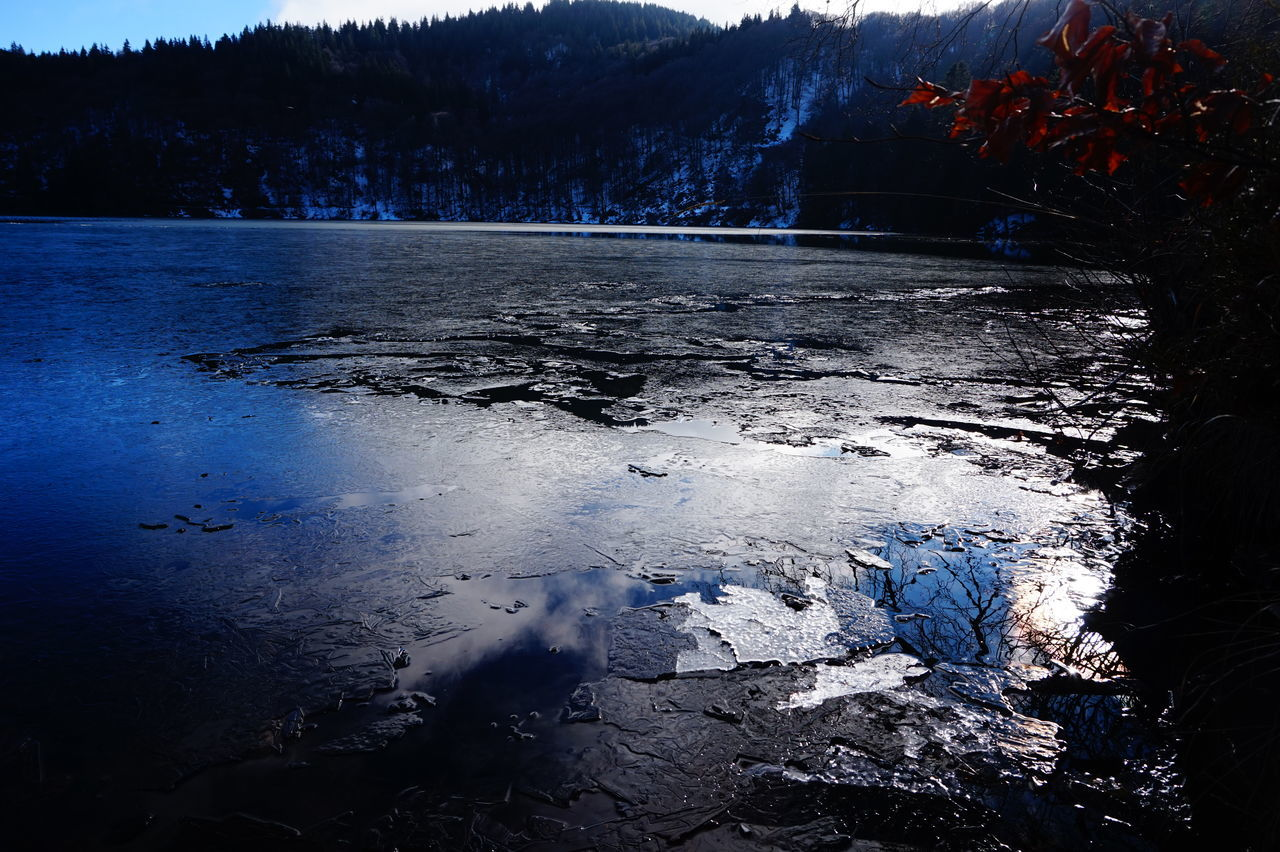 Ice Lake Lac Pavin Auvergne Water Reflections Blue Winter Freezy Showcase: January Crater Lake Blue Wave Iloveauvergne