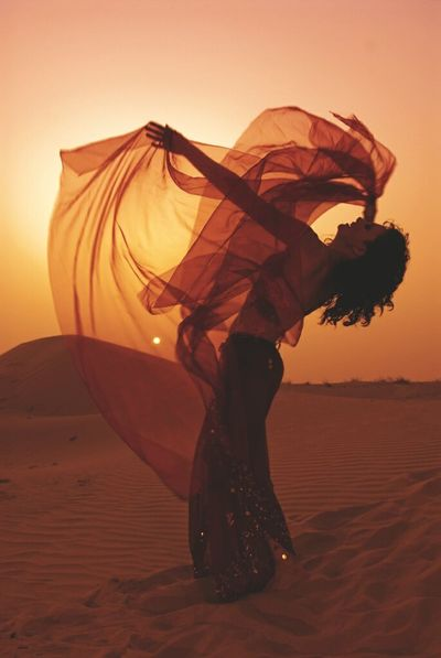 Sand Dune Sunset Heat - Temperature Sand Wind People Nature Outdoors Lovephotography  Night Sky Desert Road Trip Life Photography Is Life Love Photo Of The Day Lifeisbeautiful Photography Day Girl Power Pyramid Dessertphotography