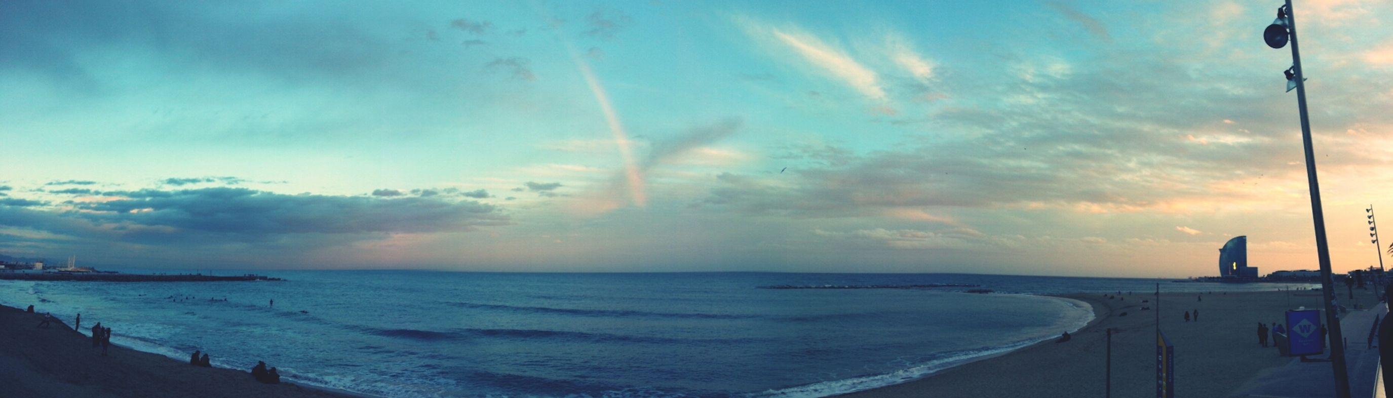 breathless! Rainbow Beach Barcelona VuelingBotschafter
