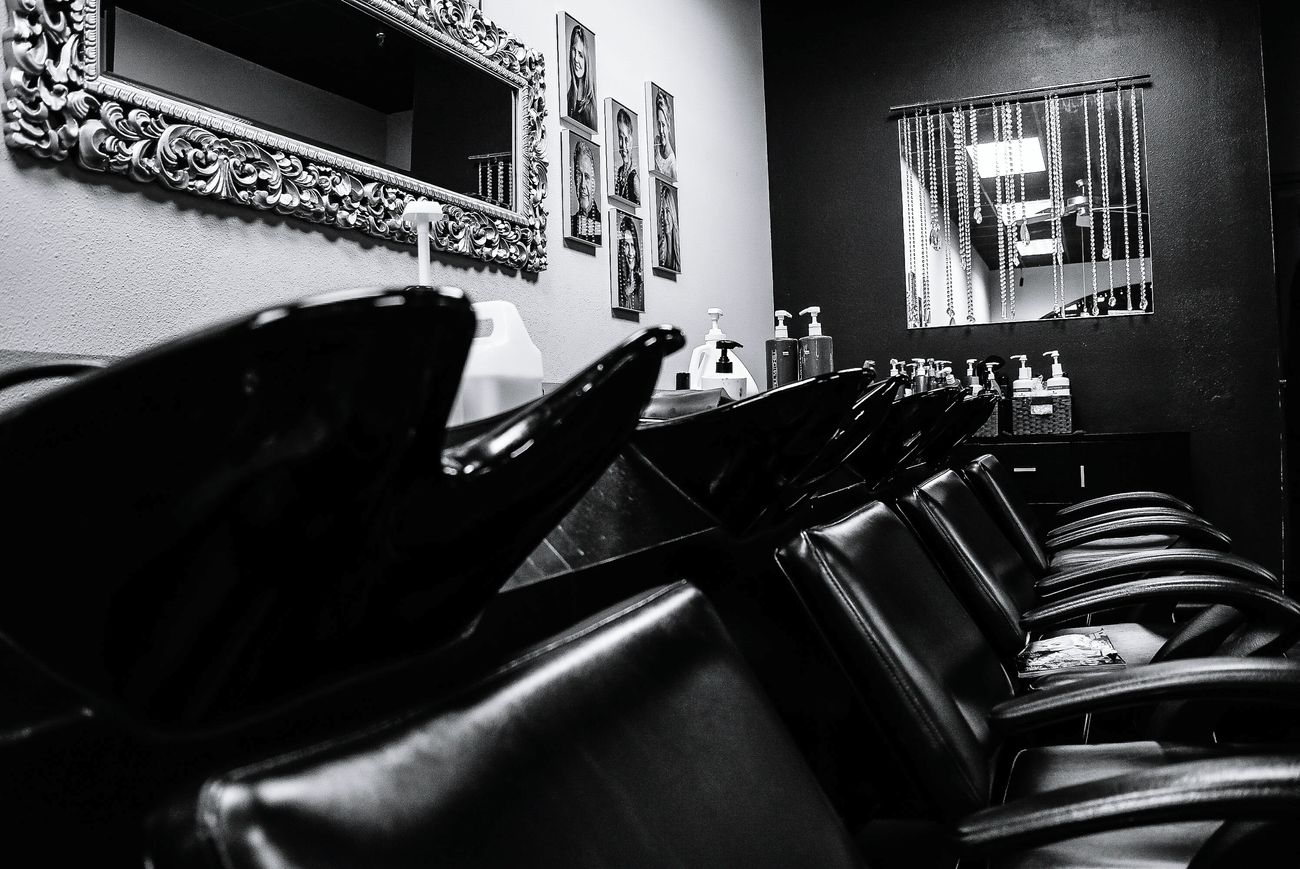 Indoors  Seat People Day Salon Beautyshop Hairstyling Hairstylist Cosmetology