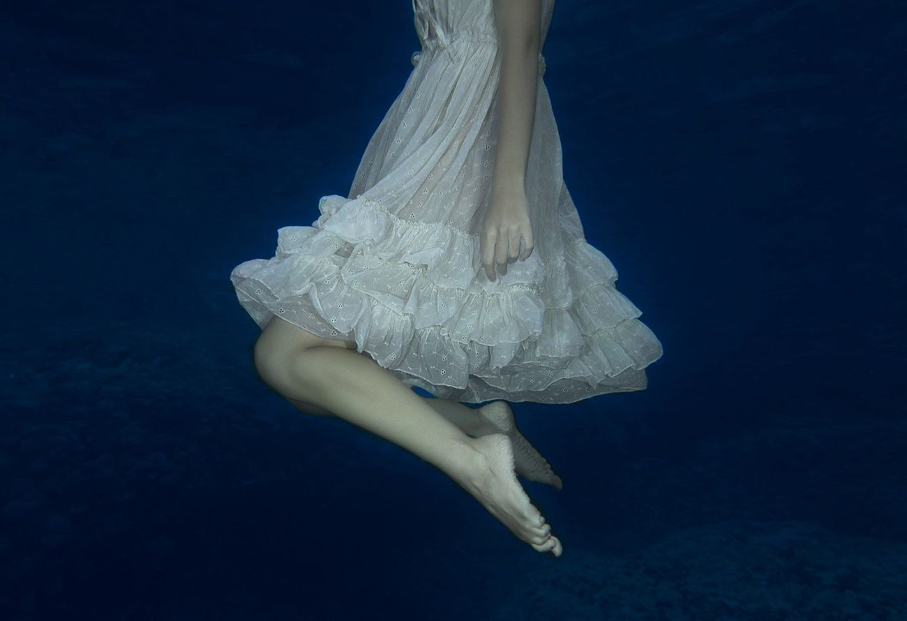 "From my ""Tianfeii"" serie. Giulia, 2016. Underwater Sea Wedding Dress Isolated Human Leg Human Body Part Tranquil Scene EyeEmNewHere EyeEm Gallery EyeEm Nature Lover EyeEm Best Shots Sardegna Canon Earth Power In Nature Beauty In Nature People Portrait Girl Youth Water EyeEmNewHere Fresh On Market 2017"