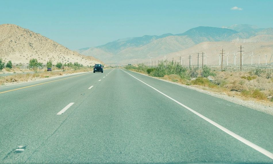 Feel The Journey MeinAutomoment Deserts Around The World Traveling Landscapes California Perspective Simplicity Coachella Valley The Drive