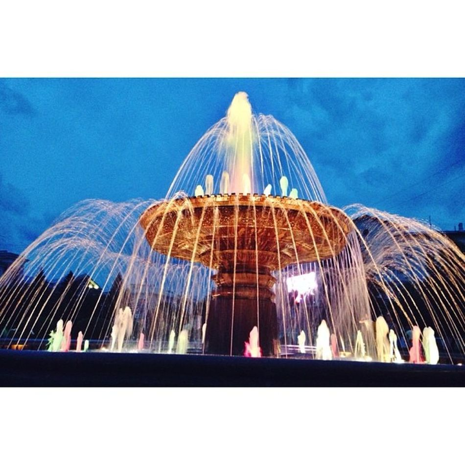 The Fountain near Drama Theatre ⛲️ Fountain Night Lights Iphone5photo follow iphonephotooftheday russia siberia kemerovo unitedstatesofsiberia россия сибирь кемерово photooftheday