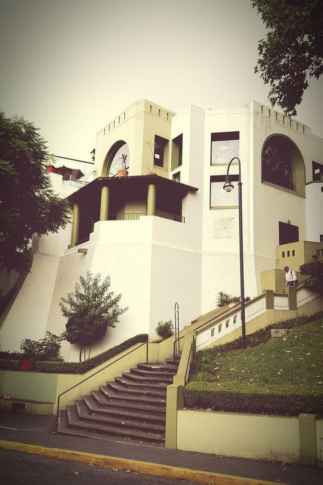 The agora is a place for the exhibition of art and theater events, one of the most important places for art in Xalapa Diseño Mexicano Historical Building Art Museum Veracruz,México Downtown Beautiful Places Art Gallery Discover Your City My City Xalapa De Enríquez
