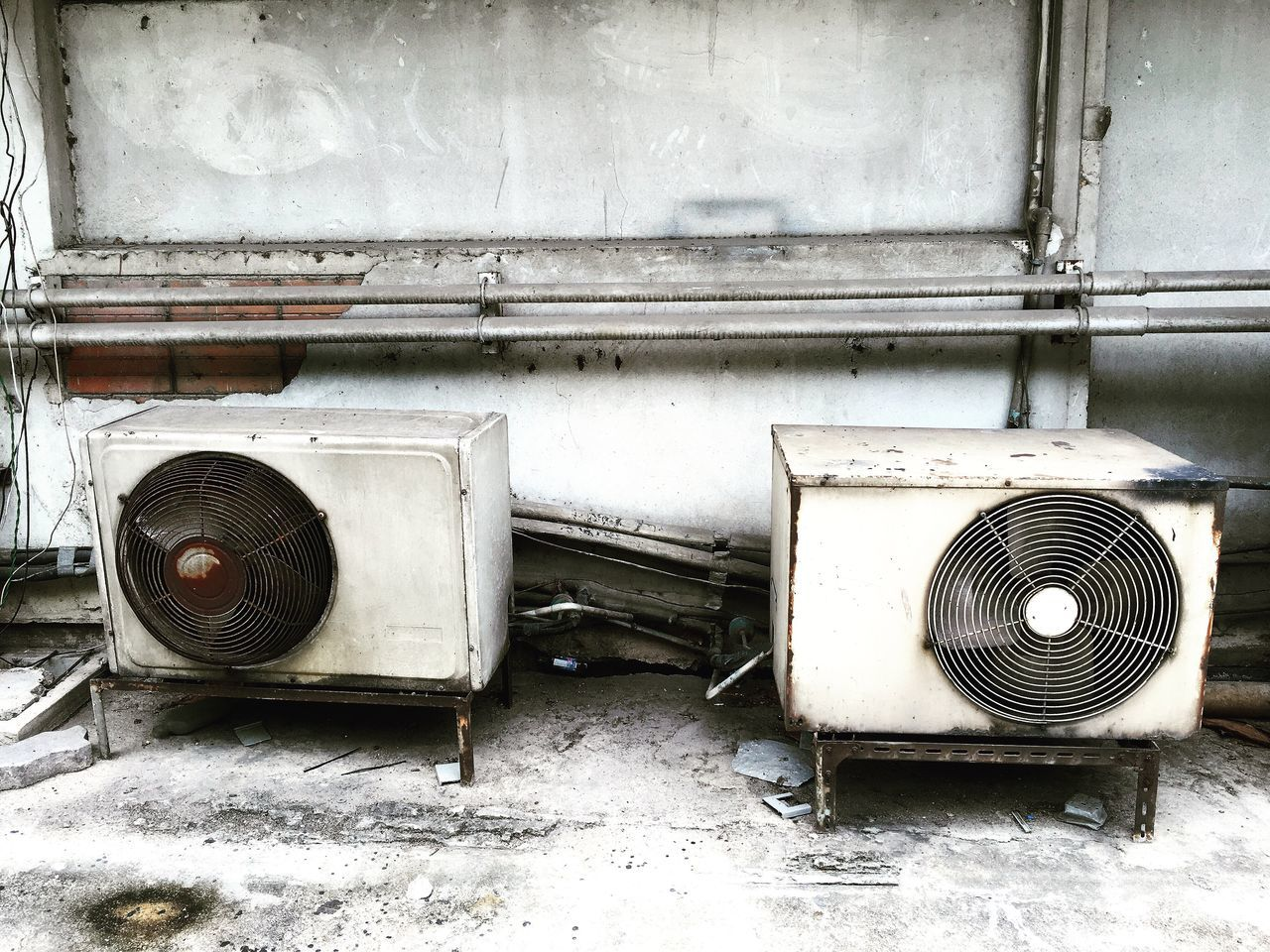 บางอย่างก็เกิดมาคู่กัน Compressor Compressor Unit Compressore Air Conditioner Old Old Machines