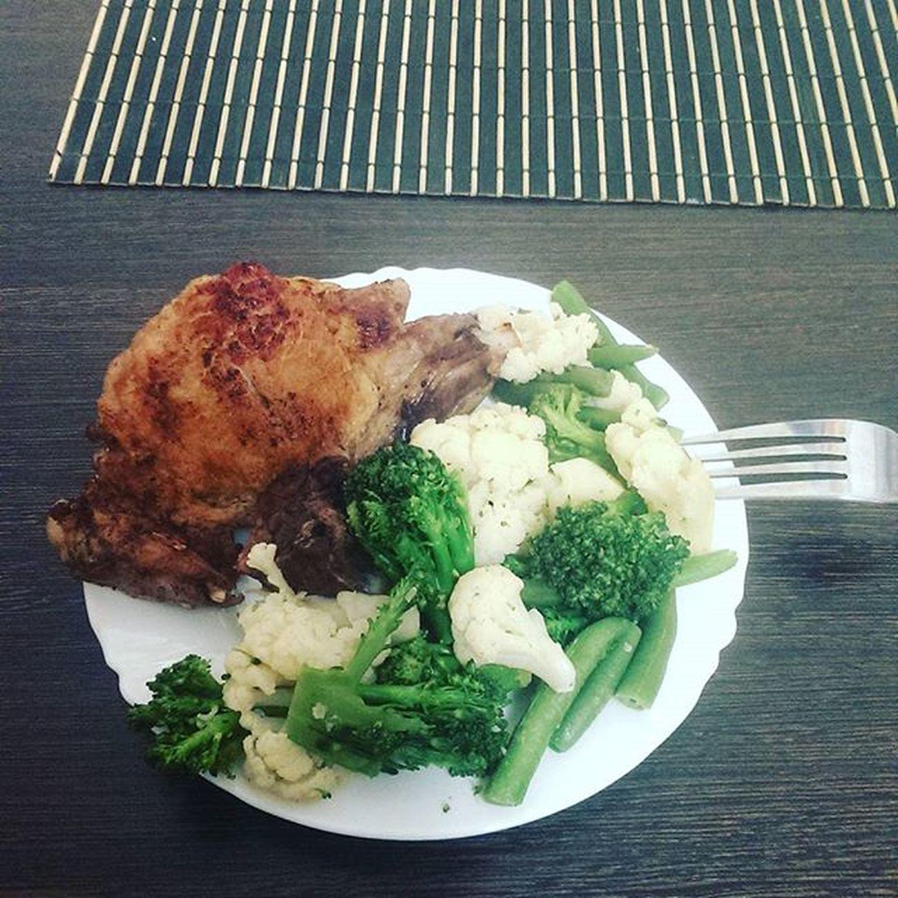 здоровоепитание ЗОЖ💪 питаемсяправильно позднийужин мясо брокколи ммм вкусненько приятногоаппетита