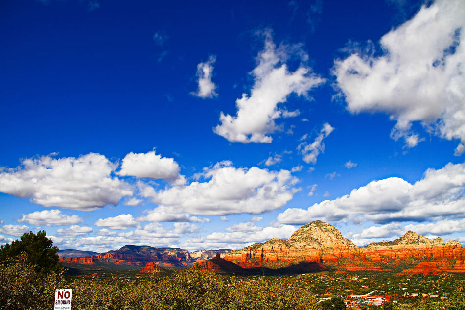 Redrock Mountain and Blue sky and White Cloud,in Airport Mesa,US 43 Golden Moments America Arizona Arizona Sky Being A Tourist Blue Sky And Clouds Blue Sky White Clouds Canon EOS 7D Mark II DSLR EyeEm Nature Lover Famous Place Getty X EyeEm International Landmark Mountains And Sky Nature Nature_collection Sedona Stockphoto The OO Mission Tourism Tourist Tourist Attraction  United States USA USAtrip