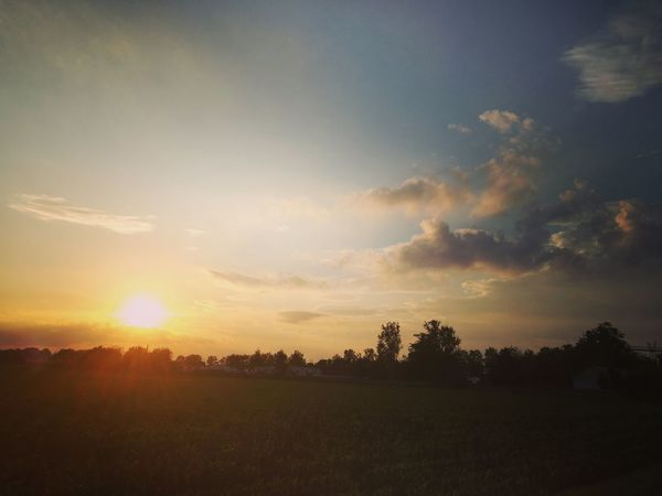 Sunset Sunshine Sunset_collection Sunlight Sunset #sun #clouds #skylovers #sky #nature #beautifulinnature #naturalbeauty #photography #landscape Landscape_photography Landscape Landmark Natural Beauty Naturelovers Nature Natural Light