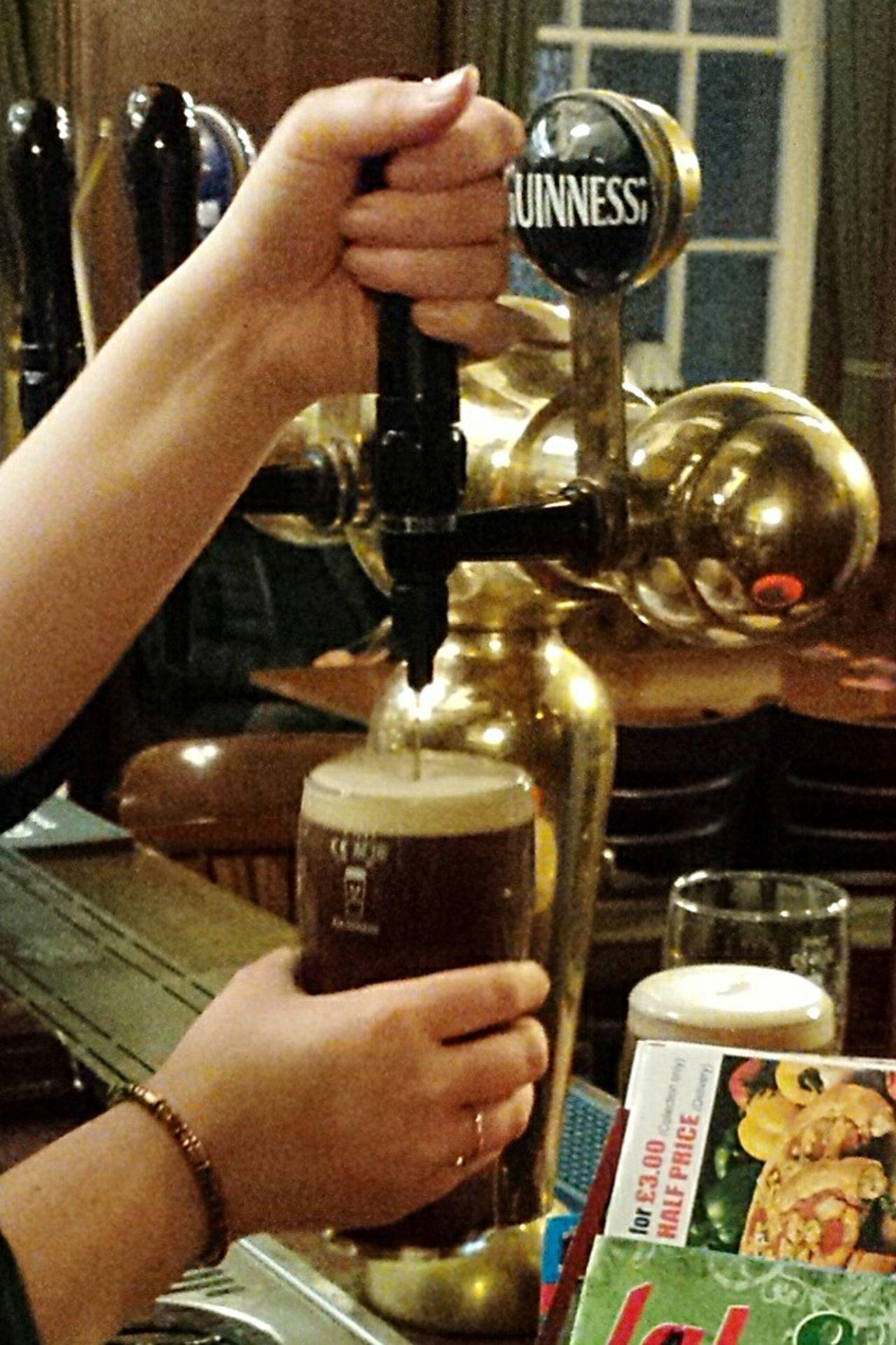 Guinness xxxxxxx Nefilian Xxxxxxx Pubs Guinness Beer Barmaid X