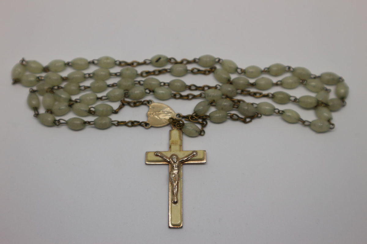 Gray Background Celebration Christmas Studio Shot White Background Religion Food Gold Colored Spirituality No People Close-up Nature Beads Holy String Of Beads Cristianity Religion And Tradition