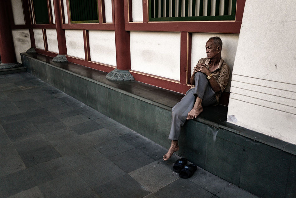 One Person Sitting Depression - Sadness Old Man Outdoors Lonely Old Age Alone Chinatown Singapore Street Photography Streetphotography Streetphoto_color Everybodystreet Panasonic GF1