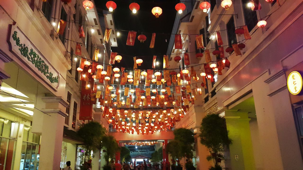 Illuminated Night Lighting Equipment Celebration Hanging Low Angle View Built Structure Architecture Holiday - Event Indoors  People Christmas Lights Vacations City chinatown