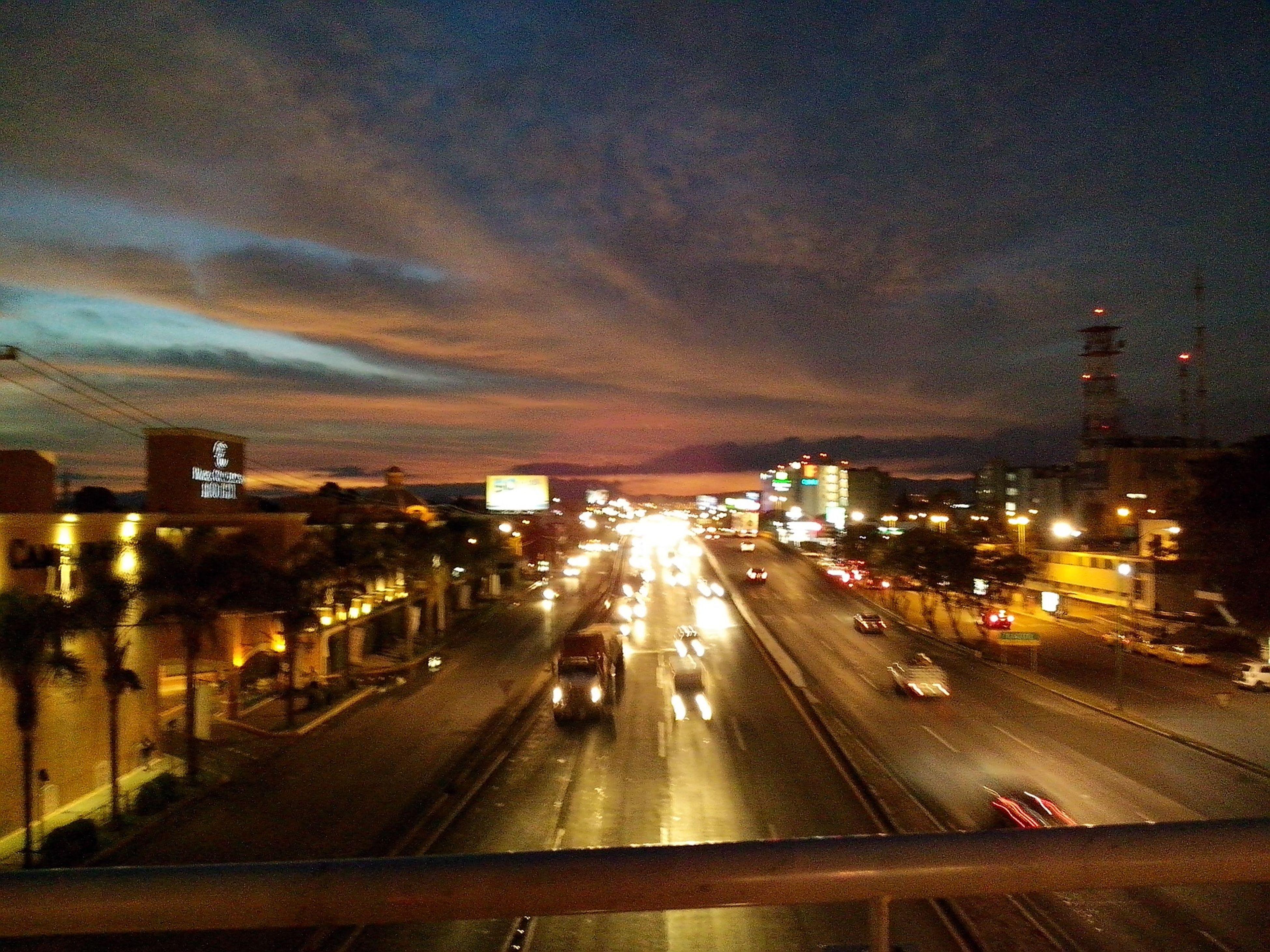 Queretaro :3  City Lights Atardecer Sunset Luces De Ciudad I Love My City Sky And Clouds Avenidas
